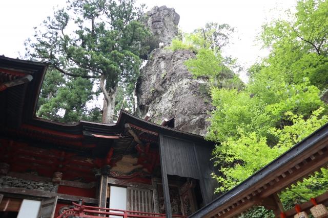 榛名神社の象徴ともいえる御姿岩
