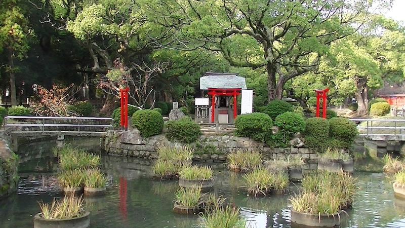 菖蒲池の弁天様